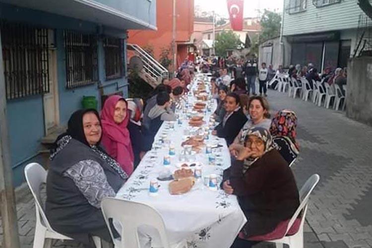 İncirköy gençleri iftar sofrası kurdu