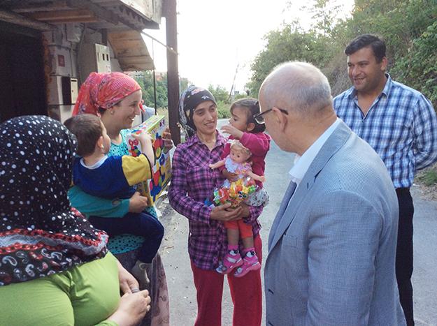 Başkan Çelikbilek'ten çatkapı Ramazan ziyaretleri