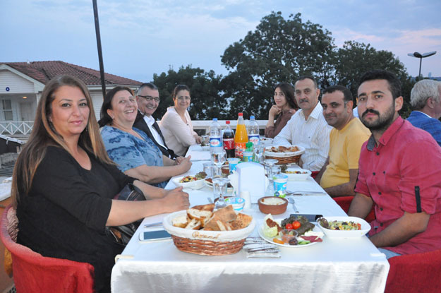 Beykoz Vakfı'nın iftar yemeğinde veda Tören'i