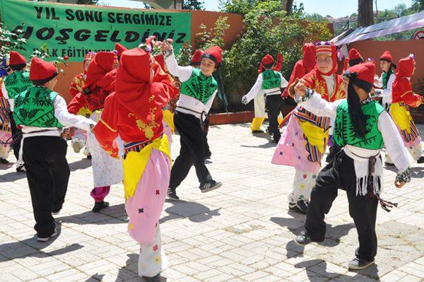 Halk Eğitim Merkezi Yılsonu Sergisi'ni açtı