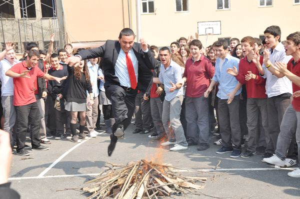 Beykoz Anadolu Lisesi Nevruz ile coştu