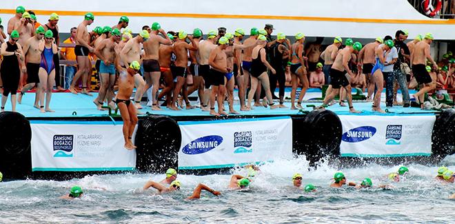 Beykoz Kıtalararası Yüzme Yarışlarına ev sahipliği yaptı