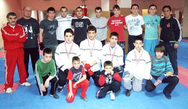 Belediye boksörlerinden 6 madalya
