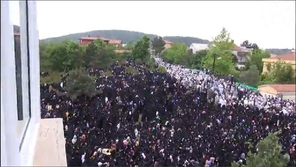 Kırk bin kişi onu görmeye geldi