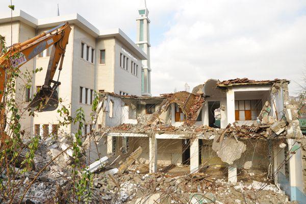Kiremitdere Hacı Ahmet Camisi yıkıldı