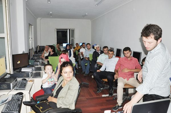 Sosyal medya mağduru AK Parti atakta