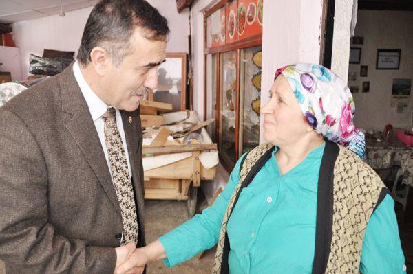 CHP'li Vekil Beykoz'da esnaf ziyareti yaptı