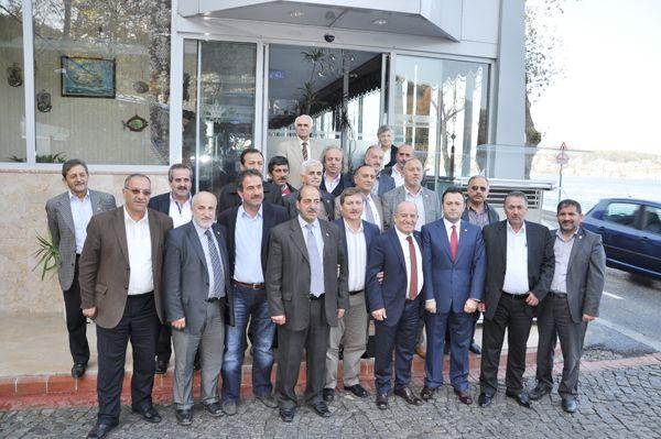 AK Partili Burhan Güner muhtarları ağırladı