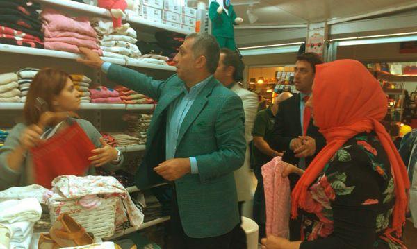AK Parti'den tartışmalı çarşıya ziyaret…
