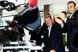 Tayyip Erdoğan Medistate'yi robotla açtı
