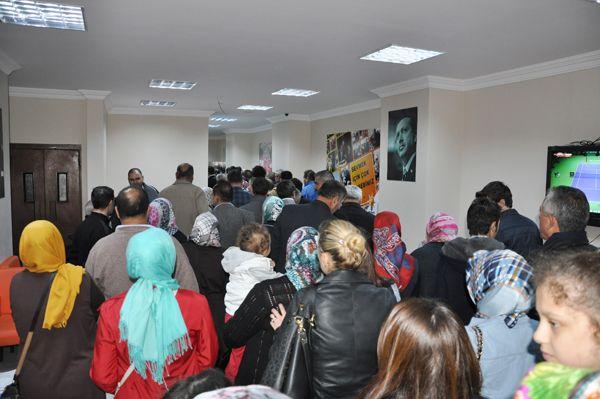 AK Parti'de Hasan Karakaya izdihamı