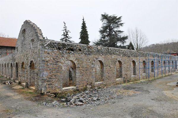 Fidanlık içindeki Abraham Paşa Çiftliği restore ediliyor