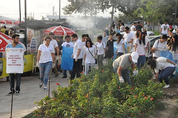 Beykoz'un çevreci gençleri çöp topladı