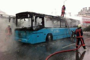 Halk otobüsünde yangın korkusu