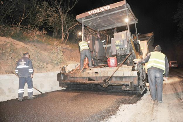 Kaynarca'nın yolları asfaltlanıyor