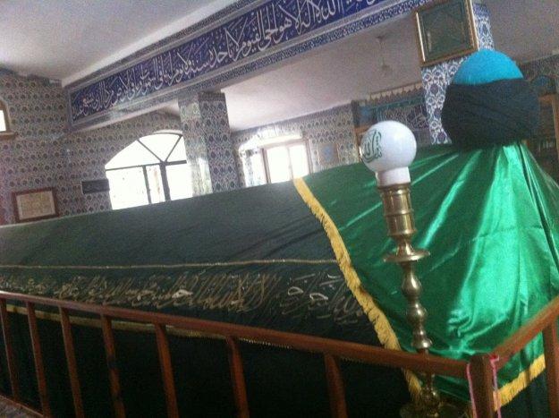 Beykoz'da Kırklar Sultan Türbesi ve Cem evi tartışması
