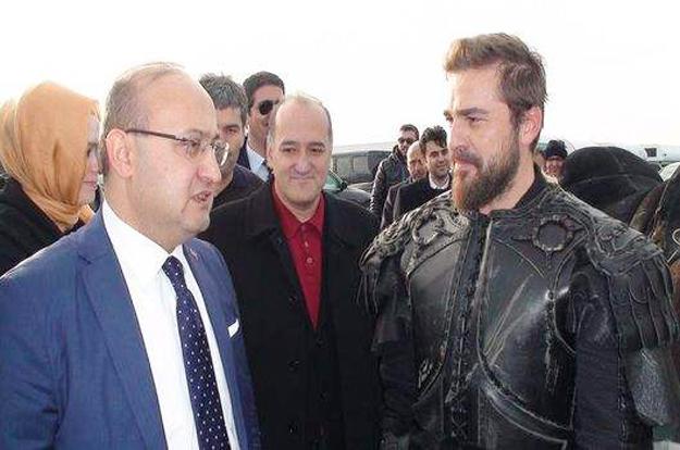Başbakan Yardımcısı Akdoğan Beykoz'da dizi setinde