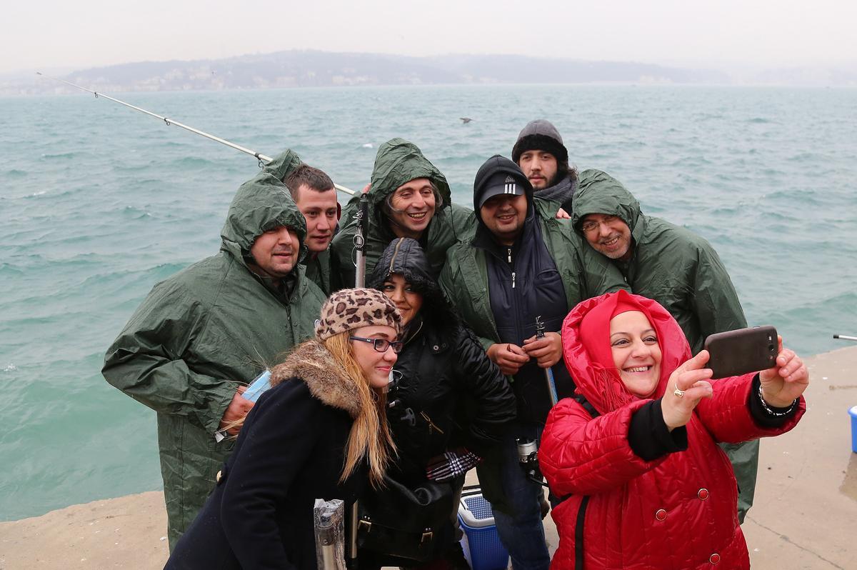 Gazeteciler Beykoz'da balık tutamadı