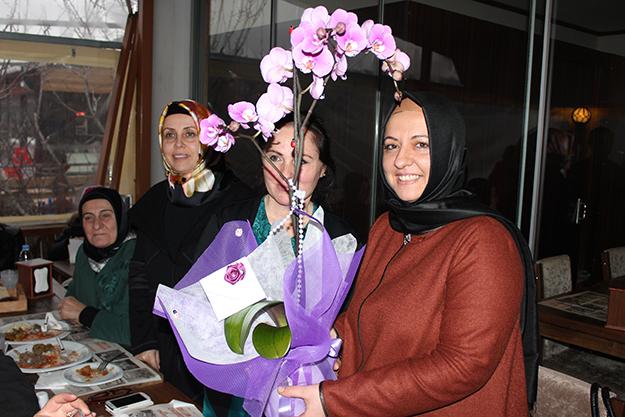 Beykoz AK Parti Kadın Kolları Muhlama da toplandı…