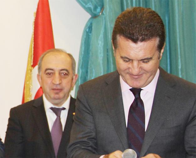 Hızır Yılmaz'ın aday adaylığını Mustafa Sarıgül açıkladı