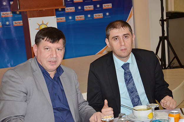 AK Parti Beykoz'da vefa yemeği