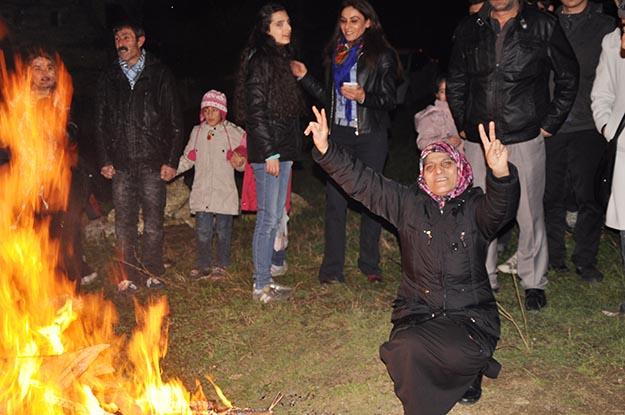 Beykoz'da Nevruz ateşini HDP'liler yaktı