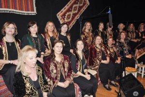 Beykoz Acarkent'te öğrenciler yararına sıra gecesi