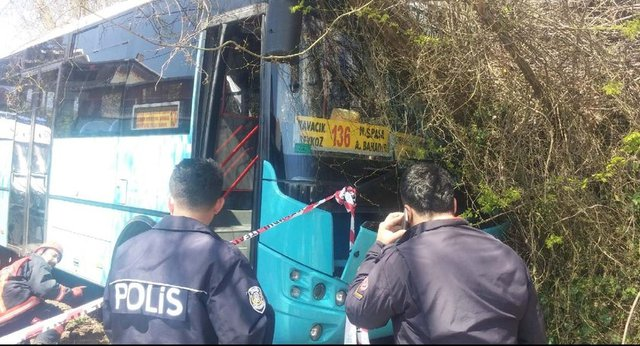 Otobüs şoförü kalp krizi geçirmiş