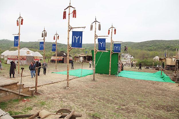 Selim Temurci, Beykoz'da Diriliş Ertuğrul setini ziyaret etti