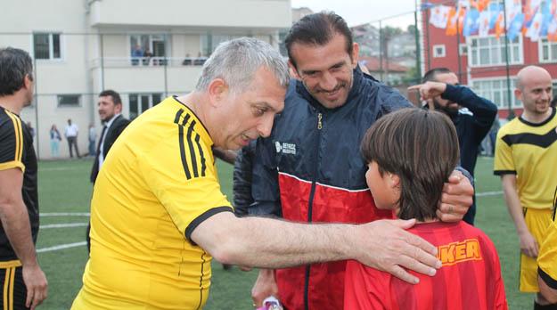 AK Partili Metin Külünk ünlüleri Beykoz'da topladı