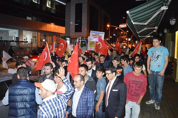 Darbeci Sisi'ye AK Partili gençler Beykoz'dan lanet yağdırdı