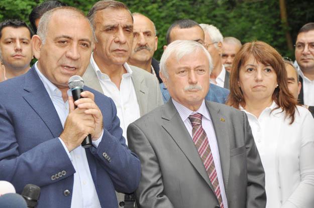 Gürsel Tekin Beykoz'da Kadir Topbaş'ı hedef aldı