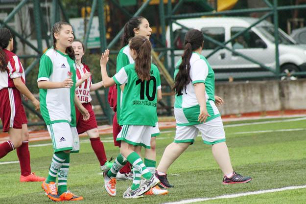 Beykoz kızları dostluk maçı yaptı