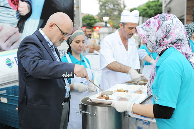 Beykoz'da dayanışmanın adresi sokak iftarları