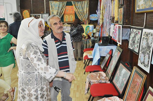 Ebru sanatı Kanlıca'da gülümsedi