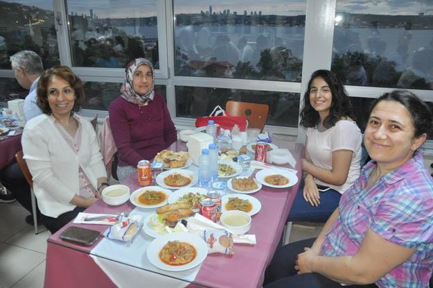 Beykoz Devlet Hastanesi çalışanları iftarda buluştu
