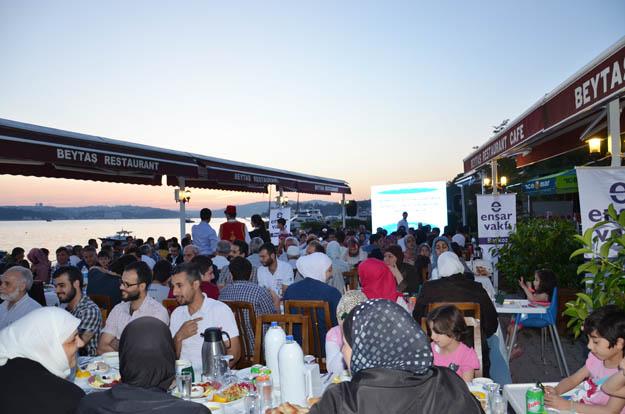 Beykoz'da iftar sofrası Ensar Muhacir kardeşliği için kuruldu