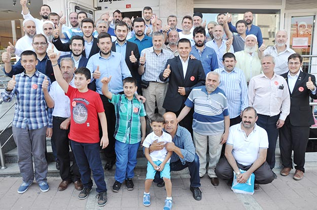 Beykoz'da siyasi partiler teşkilatlarıyla bayramlaştı