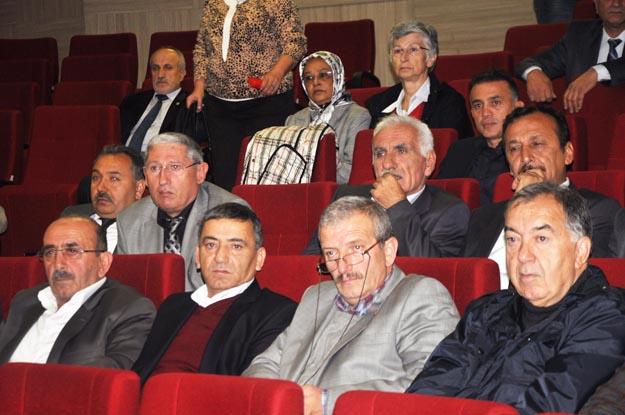 Muhtarlar Derneği Olağanüstü Kongresi'nde imza krizi!