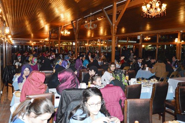 AK Parti'ye Beykoz'da gençlik aşısı