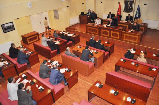 Beykoz Belediye Meclisi'nde seçim tartışması