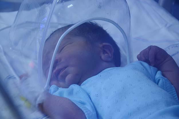 Çöpte bulunan bebek Beykoz'da hayata dönüyor