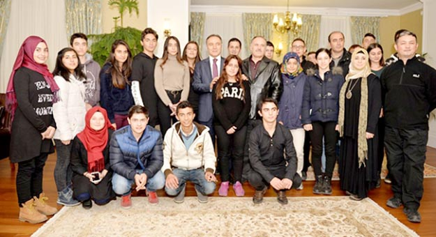 Beykozlular'dan Erzurum Valisine ziyaret