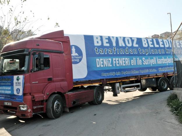 Beykoz'dan Suriye'ye 3 tır yardım