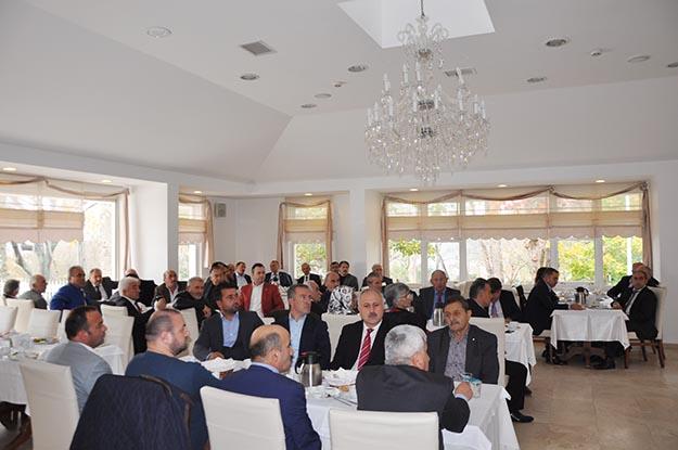 Beykoz muhtarları AK Parti'den 'sekreter' istedi