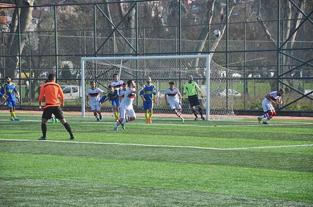 Kanlıcaspor Şile'yi 4 golle geçti