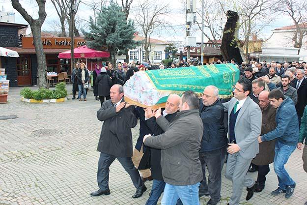 Ayşe Kıroğlu gözyaşlarıyla uğurlandı