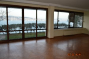 Çubuklu Kanlıca arasında kiralık yalı dairesi.... 3,000 $
