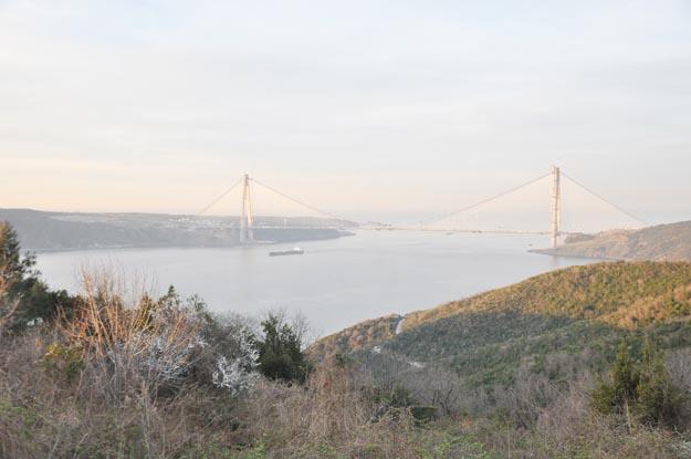 3. Köprü Yoros Kalesi'nden izlenir