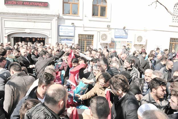 Beykoz'da; Kuran, Namaz, Bayrak ve dua birarada